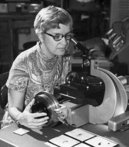 Vera Rubin discovers the dark matter in the galaxy.